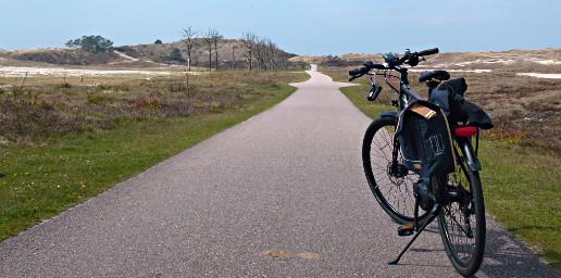 E-Bike in den Nordseedünen bei Schoorl