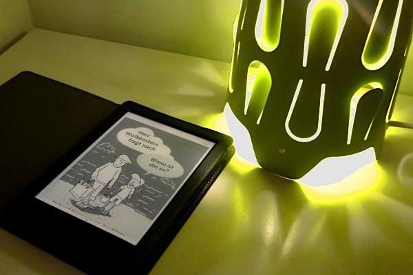 E-Book auf Nachttisch